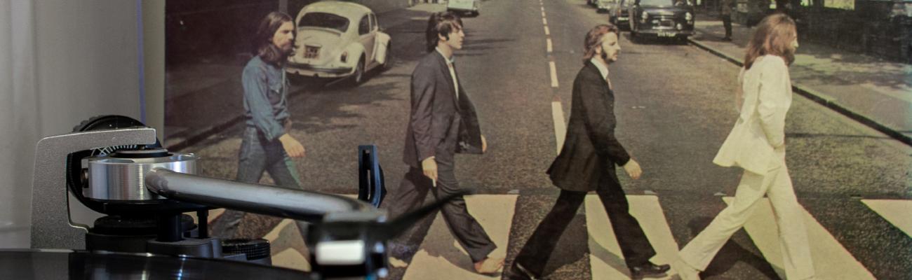 The Beatles crossing road